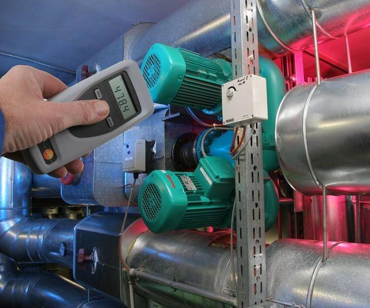 Tachymètre testo 470 pour mesure optique et mécanique